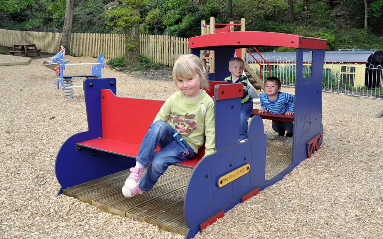 PLAY TRAIN - Navi e veicoli in legno - Navi e veicoli in legno