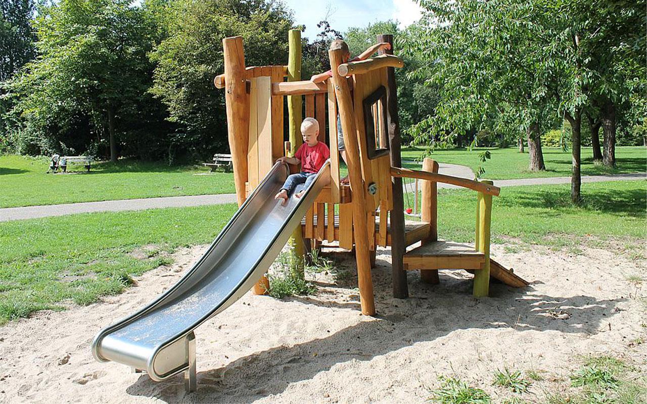 FIJRLAR - Strutture per Parchi Giochi in Legno di Robinia - Strutture per Parchi Giochi in Legno di Robinia
